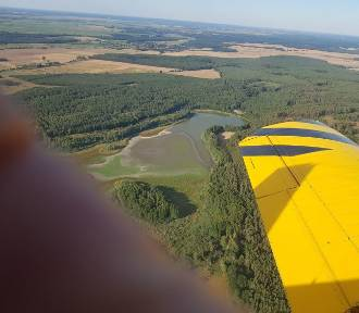 Pilot samolotu gaśniczego naraża swoje życie, by ratować lasy. Tak wygląda jego praca
