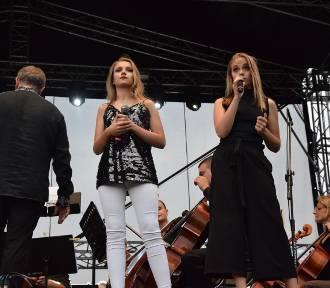 Julia i Wiktoria Szlachta z Kroczyc wystąpią na koncercie TVP2 w Rzeszowie