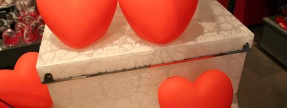 Walentynki to okazja, by wyznać miłość, ale i obdarować najbliższych prezentem od serca. Co może tego dnia sprawić przyjemność?