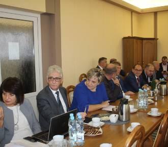 Sesja VI kadencji rady powiatu radziejowskiego. Wybrano nowe władze [zdjęcia]