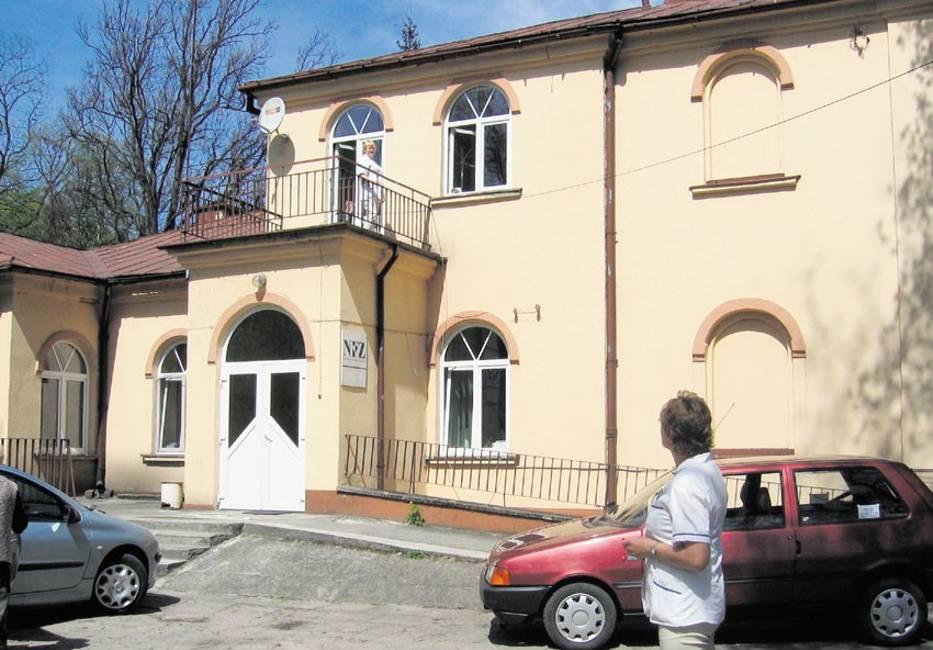 Dworek w Pławnie, który jest częścią szpitala powiatowego, zostanie wystawiony na sprzedaż