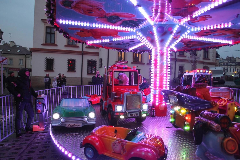 Świąteczne Miasteczko w Rzeszowie oficjalnie otwarto w sobotę