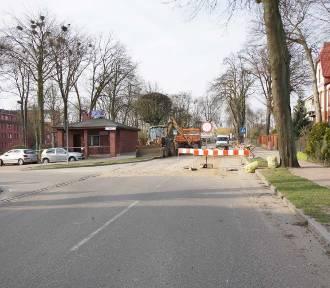 Człuchów. Utrudnienia w ruchu w centrum miasta - zamknięty jest fragment ul. Szczecinskiej