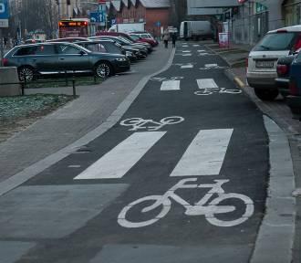 Kuriozalna ścieżka rowerowa w remoncie. Zniknie absurd warty 400 tys. zł?