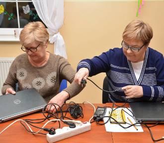 Nowy Dwór Gdański. Kolejne grupy uczestników wzięły udział w kursie komputerowym [ZDJĘCIA]