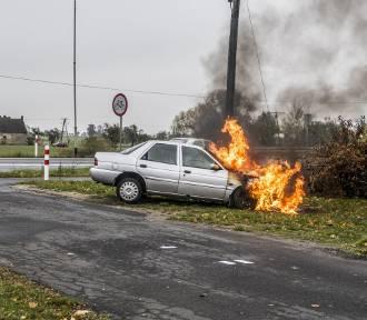 Pożar auta w Koźminie Wielkopolskim [ZDJĘCIA]