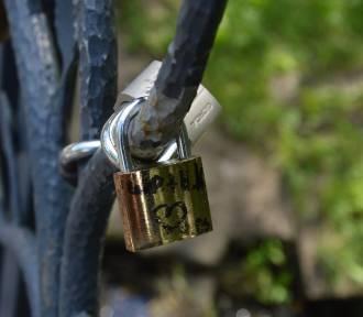 Mostek zakochanych w Bełchatowie. Stworzyli go sami mieszkańcy
