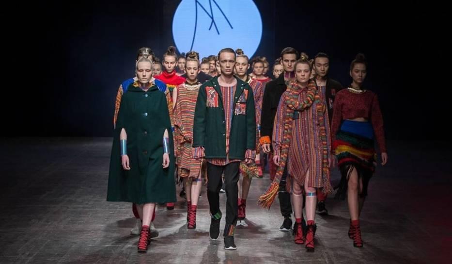 Po ostatniej dość kontrowersyjnej edycji Fashion Week Poland w Łodzi (na zdjęciu), toczyły się dyskusje, co dalej z imprezą dla miłośników designu i czy kolebka polskiej mody jaką bez wątpienia jest Łódź, zostanie zapomniana przez modowych artystów