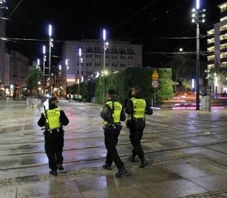 Dodatkowe patrole policji w centrum. Posypały się już pierwsze mandaty
