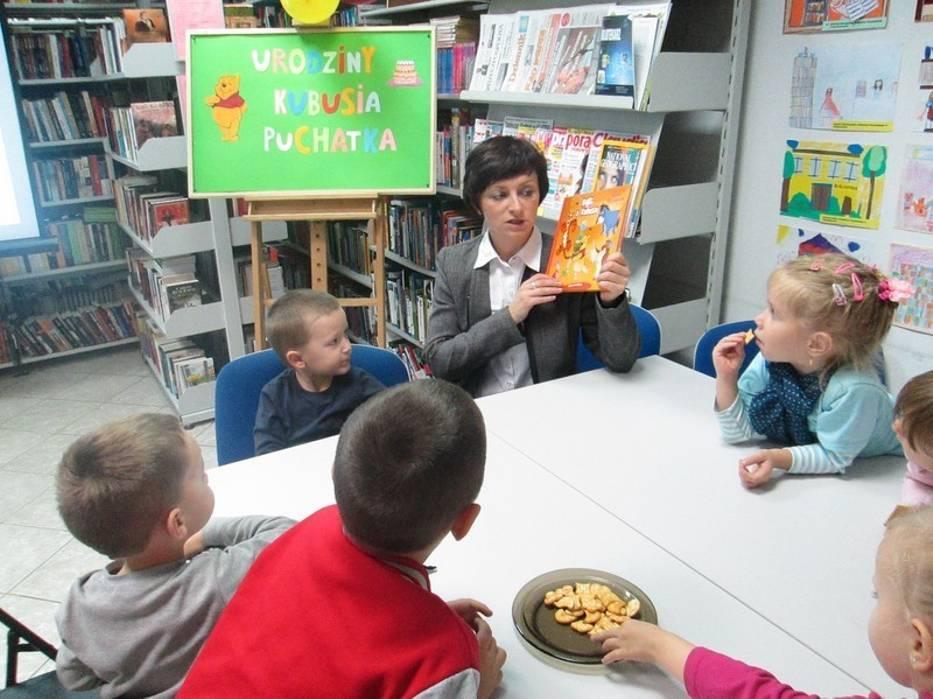 Urodziny Kubusia Puchatka w poddębickiej bibliotece