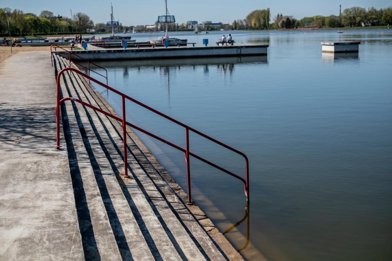W niedzielę, 2 sierpnia po raz drugi zostało zamknięte kąpielisko nad jeziorem Maltańskim w Poznaniu