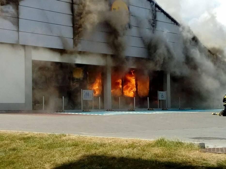 Pożar Lidla w Radomsku