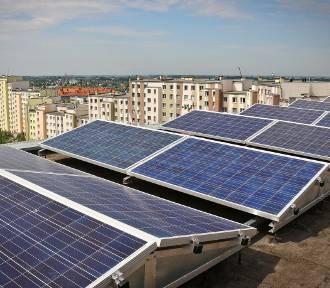 """""""Słoneczne dachy"""". Rusza pilotażowy program skierowany do spółdzielni i wspólnot mieszkaniowych"""