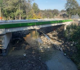 W listopadzie koniec prac przy budowie dwóch mostów na terenie Cieklina [ZDJĘCIA]