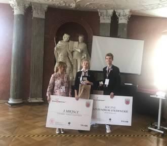 Uczniowie II LO wygrali ogólnopolski konkurs. W nagrodę zwiedzą Paryż