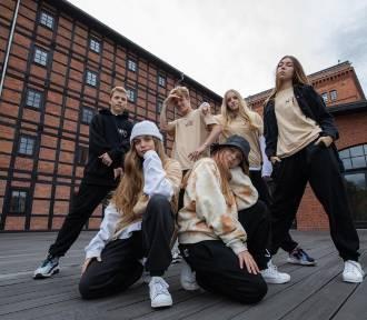 Bydgoscy tancerze nagrali film w Młynach Rothera. Zdobyli też mistrzostwo Europy!