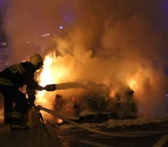 Trzemeszno: pożar dwóch aut. Czy to było celowe podpalenie?