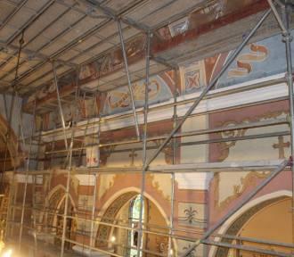 Trwa remont w kościele w Byczynie w gminie Dobre [zdjęcia]