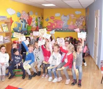 Międzynarodowy Dzień Książki dla dzieci w dobrzyckiej bibliotece