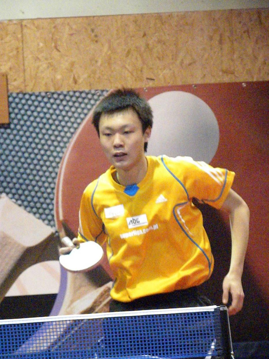 Wang Chen pokonał Liu Kai 3:1 i uległ Martinowi Olejnikowi 0:3