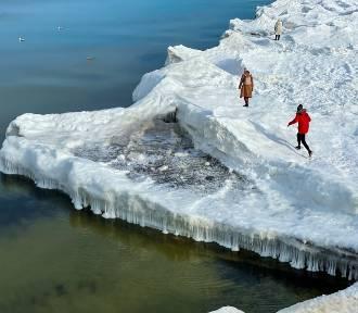 Zamarznięty Bałtyk. Bajkowy krajobraz. Chcecie zobaczyć? Spieszcie się! ZDJĘCIA