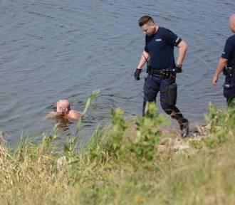 Pływał w Wiśle w Grudziądzu. Postawił na nogi służby [wideo, zdjęcia]