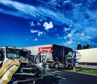 Wypadek w Wanatach, trzy osoby ranne