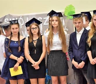 Pożegnanie klas III Gimnazjum w Tarnówce  [ZDJĘCIA]