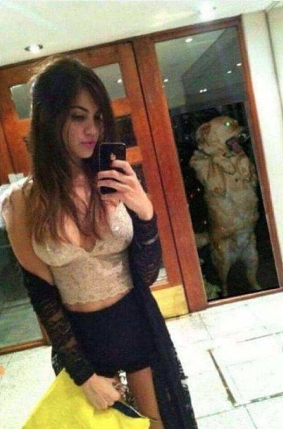 Te selfie powstały w najgorszym możliwym momencie. Teraz stały się hitem Internetu