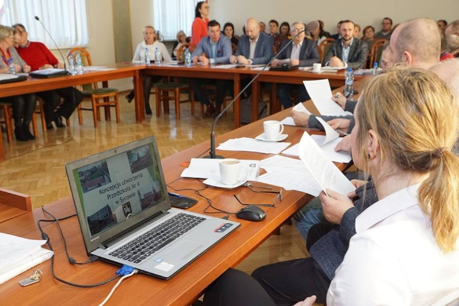 Podczas wspólnego posiedzenia komisji Rady Miejskiej Monika Zobek-Dubicka zaprezentowała koncepcję utworzenia Przedszkole nr 4