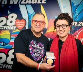 WOŚP 2020. Olga Tokarczuk przekazała na aukcję noblowski medal