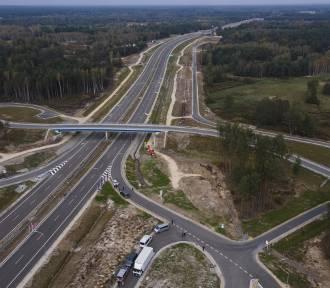 Budowa drogi Via Carpatia. Jak idzie w Polsce, a jak w innych krajach?
