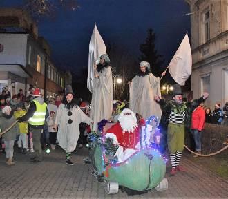 Parada z Mikołajem atrakcją grudnia w Świebodzinie [ZDJĘCIA]