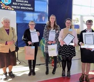Konkurs recytatorski poezji kresowej sukcesem uczennic SP Sławianowo