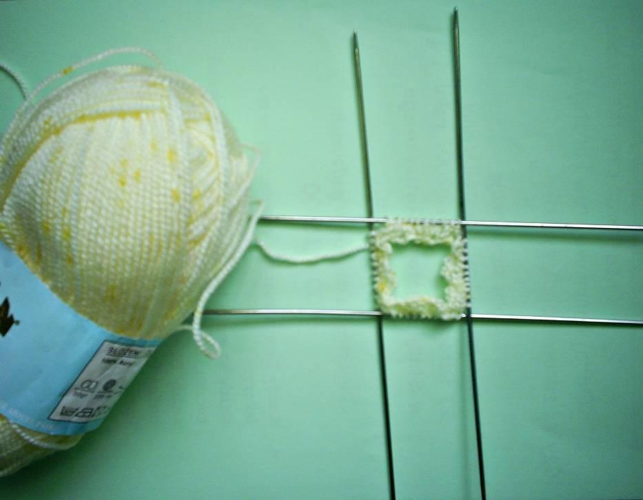 Zrób to sama: Ciepłe skarpety na pięciu drutach dla twojego maluszka