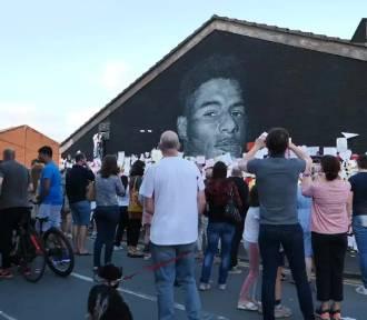 Mural z wizerunkiem Marcusa Rashforda został zdewastowany [WIDEO]