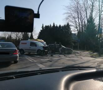 Dwa zderzenia pojazdów w Rzeszowie. Są utrudnienia [ZDJĘCIA]