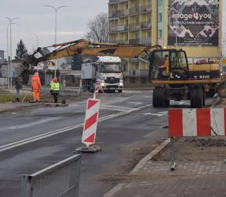 Ulica Popiełuszki w Wieluniu jest przejezdna, ale to nadal plac budowy [FOTO]