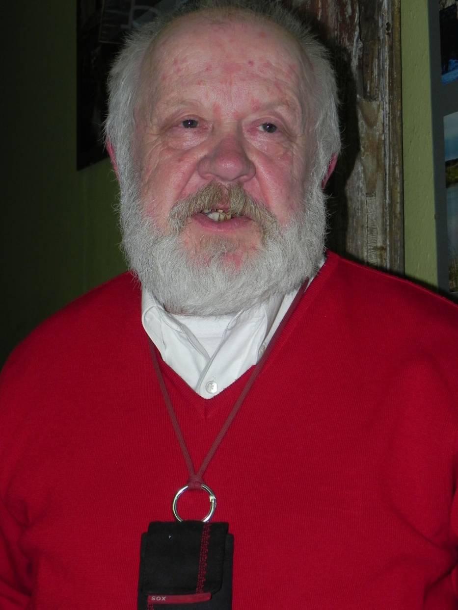 Maciej Religa podczas wernisażu w Polnym Koniku