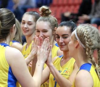 Koszykarki RMKS Rybnik pokonały AZS Częstochowa. W sobotę zagrają z Wisłą