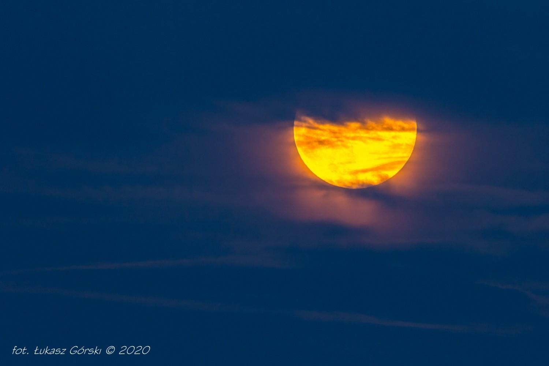 Truskawkowy Księżyc na Pomorzu. Czekamy na Wasze zdjęcia!
