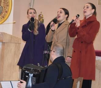 Zespół Bellcanti i Paweł A. Nowak zagrali koncerty kolęd w Sulęczynie i Mściszewicach [ZDJĘCIA]