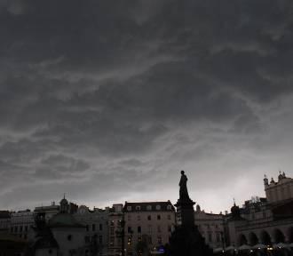 IMGW ostrzega przed burzami w Małopolsce. Mogą być gwałtowne, będzie mocno wiać