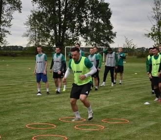 Biało-zieloni po przerwie wrócili do treningów. Co jeszcze słychać w klubie?