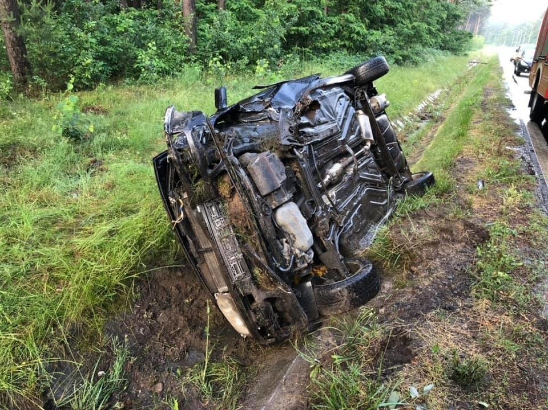 Kierowca volkswagena golfa podczas jazdy zasnął za kierownicą