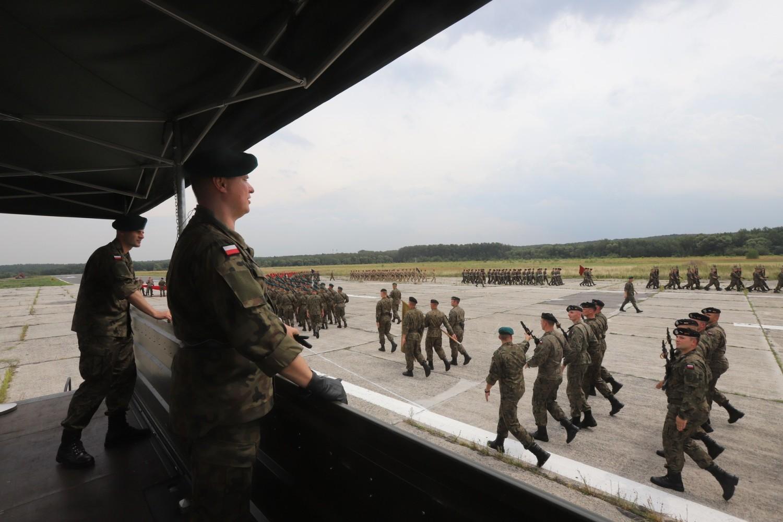 7 sierpnia: próby przed defiladą na lotnisku w katowickim Muchowcu
