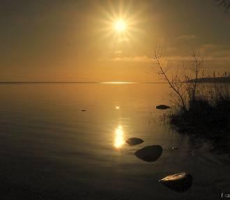 Słoneczny i pełen ciepła poranek nad Zatoką Pucką   ZDJĘCIA