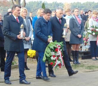 Zaśpiewali Mazurka Dąbrowskiego, oddali hołd poległym i walczącym