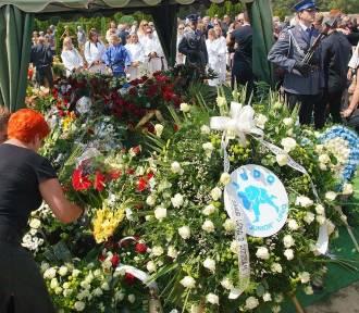 Poznań: Tłumy na pogrzebie Pawła Szwedziaka [ZDJĘCIA]