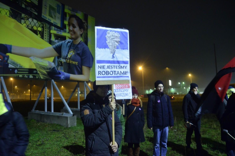 W 2015 roku na terenie podpoznańskiego Amazona w Sadach doszło do protestu pracowników